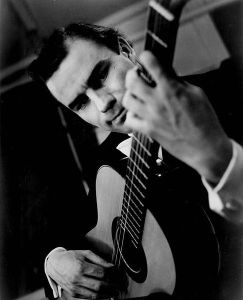 486px-Julian_Bream_1964